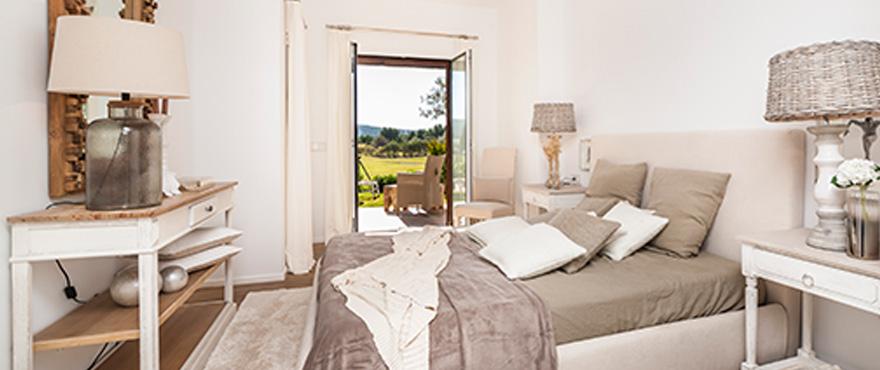 18-B9_Marina-Golf_bedroom