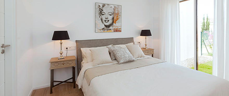 20-B10_Marina-Golf_bedroom