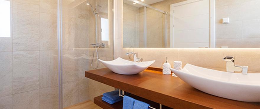 24-B11_Marina-Golf_bathroom
