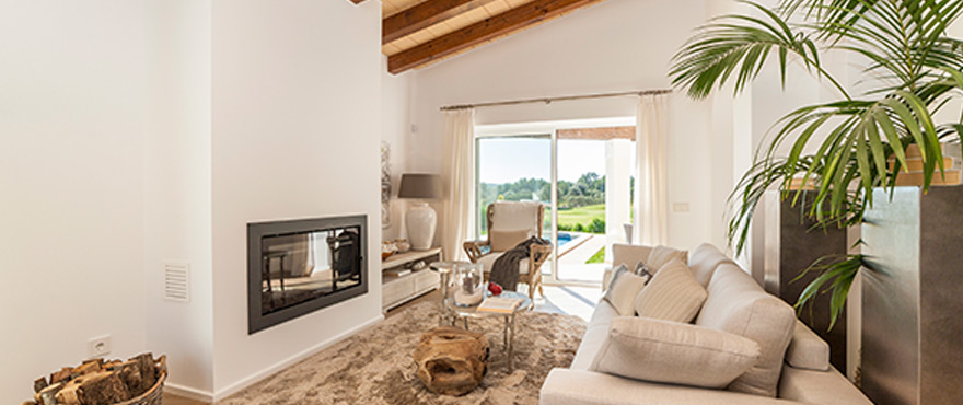 7-B1_Marina-Golf-living-room