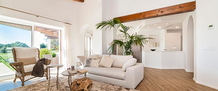 8-B2_Marina-Golf-living-room