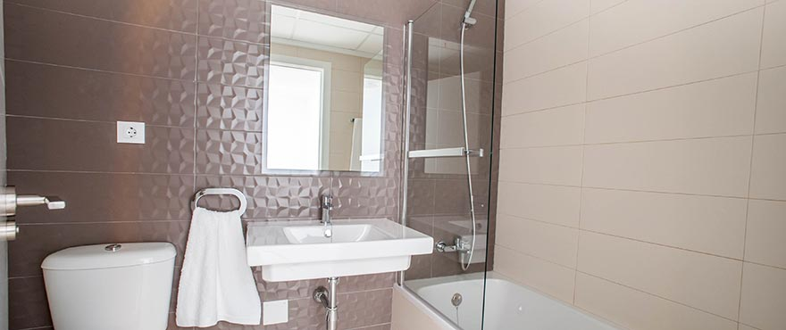 B11_Brisas_de_Alenda_Bathroom_NEW