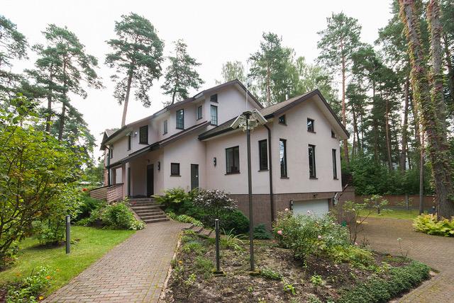 Дом в Юрмоле, Латвия