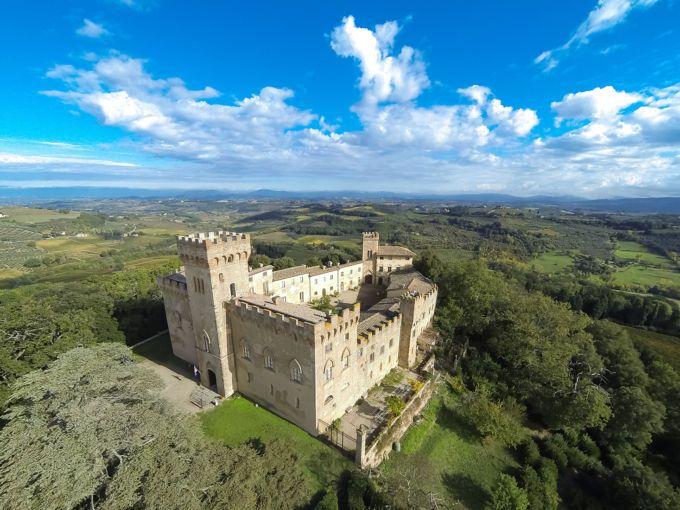 Замок старинный во Флоренции Италия