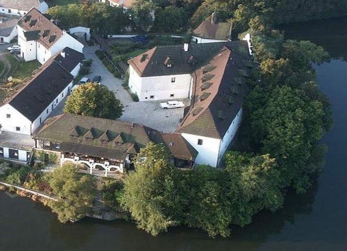 Замок отель «Старая Усадьба» в Чехии