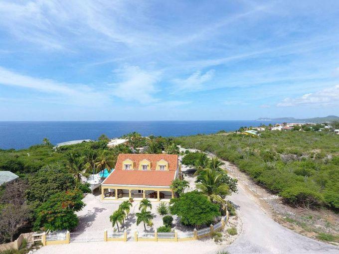 Дом в Карибском стиле в элитном районе острова Бонайре