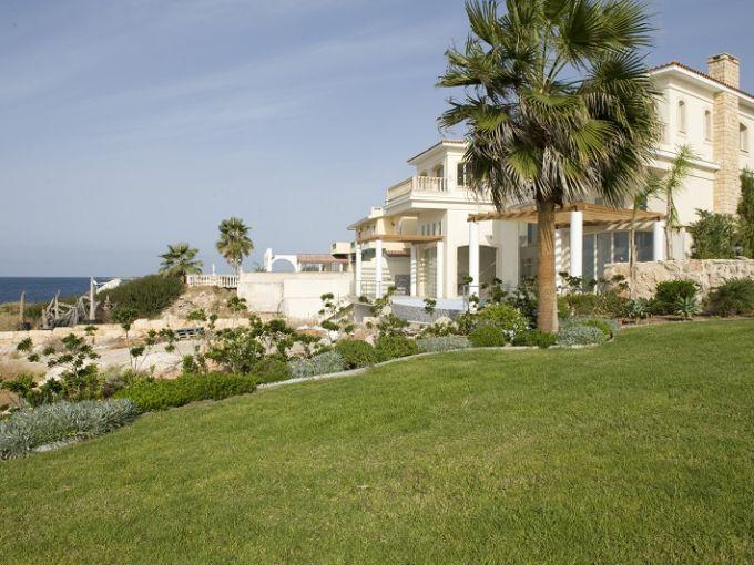 Вилла на курорте в Пафосе