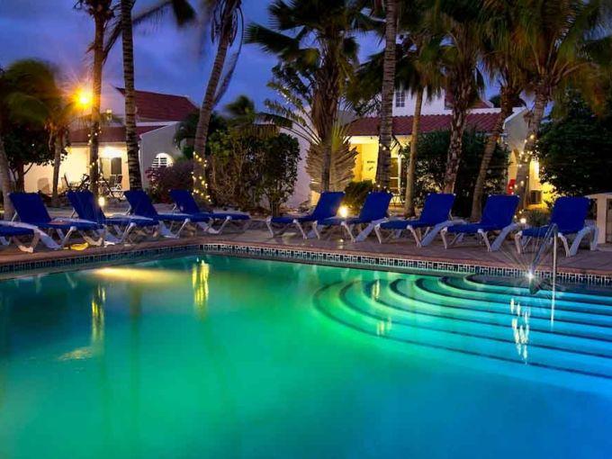 Апартаменты в элитном комплексе в 50 метрах от моря, Бонайре, Карибские острова