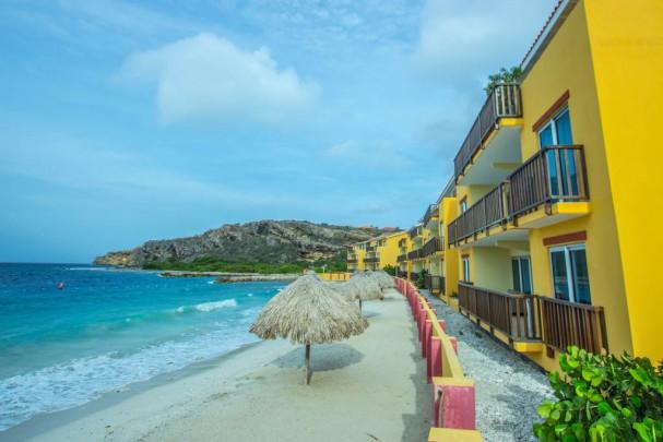 la-palapa-resort-curacao-8-607x405