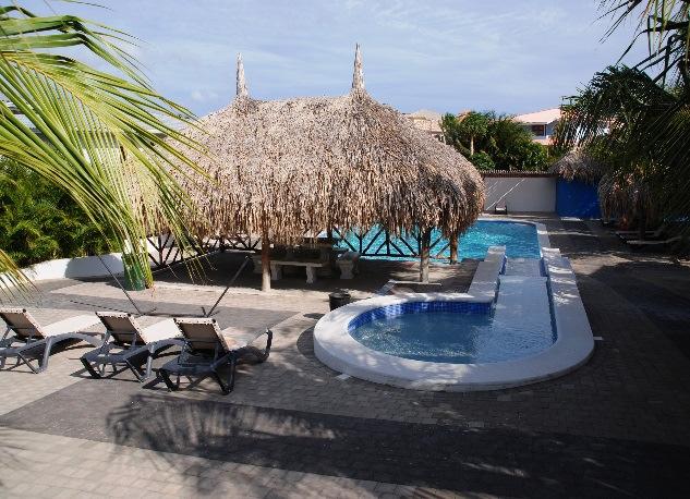 Апартаменты в новом комплексе с видом на Испанский залив
