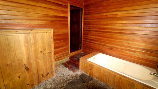 Деревянный домик на экологически чистой ферме недалеко от Тинамастеса