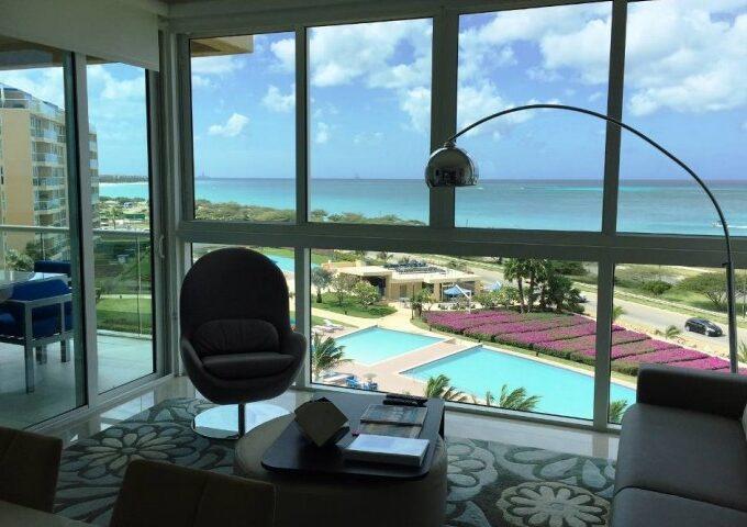 Трехкомнатные апартаменты с прекрасным видом на море в шаговой доступности от моря